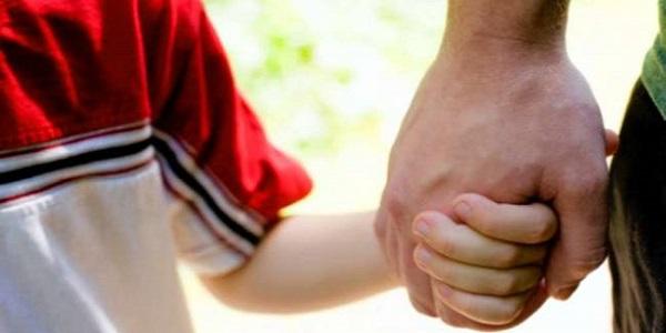 Bimba soffocata dal papà, ecco cos'è la sindrome di Munchausen