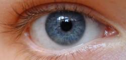 torna-di-nuovo-a-vedere-grazie-all-occhio-bionico