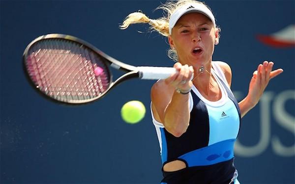 WTA Finals: Wozniacki show con la Halep, Svitolina batte Garcia