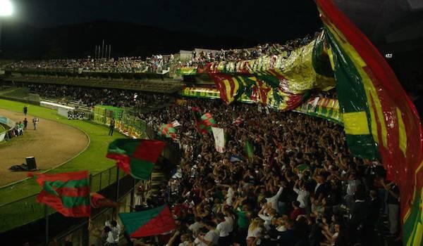 Serie B, clamorosa rimonta del Livorno a Terni: da 2-0 a 2-3. Primo posto sempre saldo