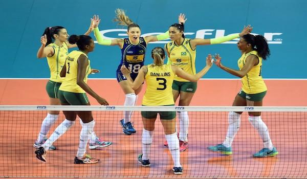 Volley, Italia fuori dal podio tra le polemiche: Brasile vittorioso 3-2, arbitraggio irritante