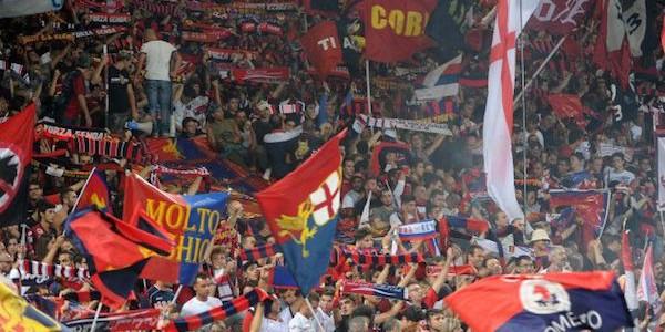 """Calcio, lo splendido gesto dei tifosi del Genoa. Cori e applausi per i giocatori dell'Alessandria <u><b><font color=""""#343A90"""">VIDEO</font></u></b>"""