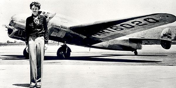 """Amelia Earhart, trovato un resto dell'aereo: """"L'aviatrice morì di stenti su un atollo"""""""