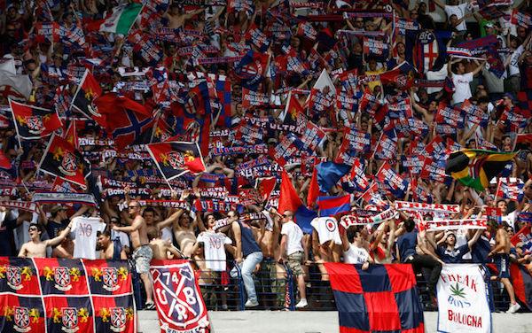 Bologna, grave infortunio per Verdi: distorsione alla caviglia