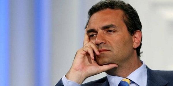 """Migranti, De Magistris: """"Porto di Napoli aperto"""". Salvini: """"Pacchia finita"""""""