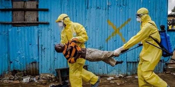 Ebola, 9 mila casi ogni settimana | In Italia e in Europa scatta la psicosi