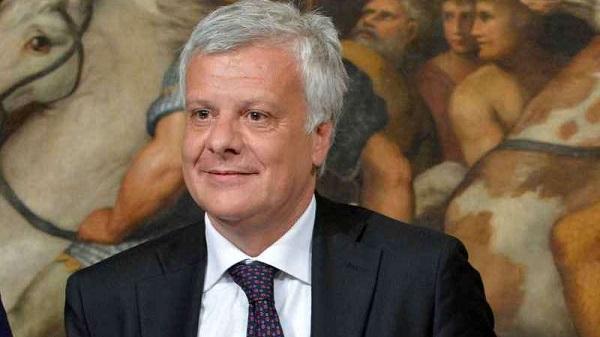 """Galletti: """"In Italia mai più condoni edilizi   Sul territorio corrispondono a tentati omicidi"""""""