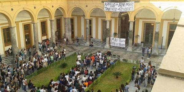 Palermo occupata la facolt di giurisprudenza foto si24 for Facolta architettura palermo