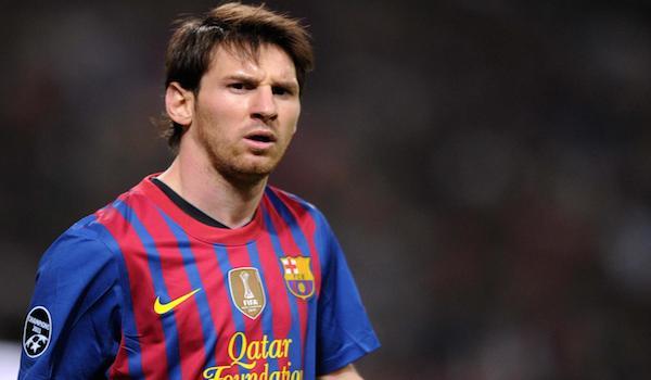 """Messi e Maradona, """"milioni"""" di guai con il fisco. Il campione argentino a processo per frode"""