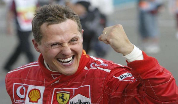 """""""Michael, continua a lottare"""": la famiglia Schumacher apre un profilo Twitter"""