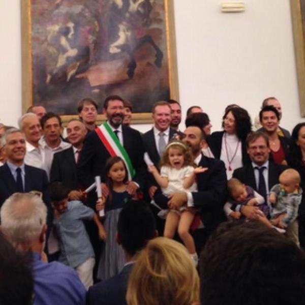 nozze gay, nozze gay roma, campidoglio, ignazio marino, sindaco roma contro prefetto, coppie gay, unioni civili coppie gay, coppie gay roma, unioni civili gay,