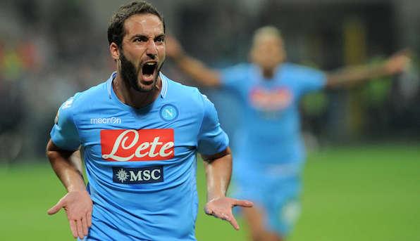 Il Napoli continua la scalata, vittoria esterna contro la Fiorentina (0-1). Decide Higuain