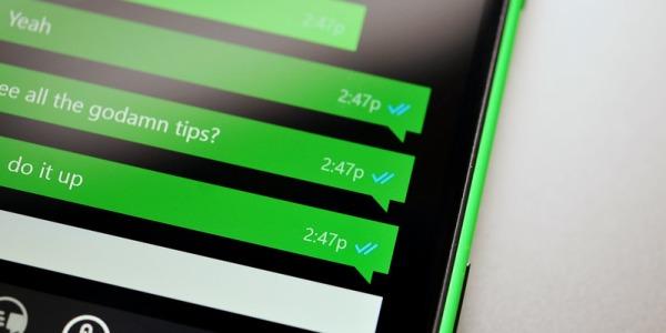"""WhatsApp, come non far diventare i segni di spunta blu e nascondere il """"visualizzato"""""""