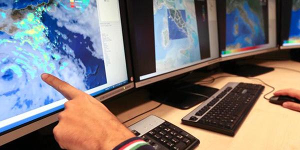 Maltempo, allarme ciclone sulle coste siciliane | Colpite Malta e Lampedusa, si contano i danni