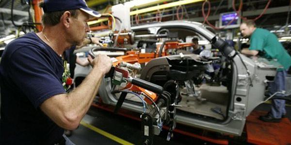 Industria, crolla il fatturato