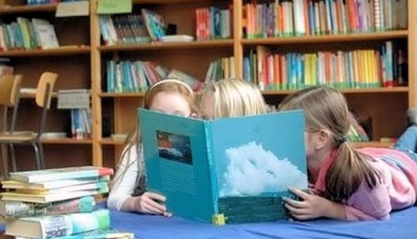 Oggi è la Giornata mondiale del libro | La letturamezzo di comunicazione e di progresso