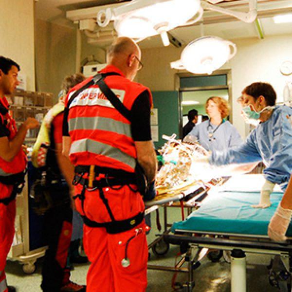 Genova, una minorenne muore per mix di droghe |Un'altra ragazza si trova in stato di coma