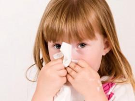 allergie un bambino su quattro è allergico