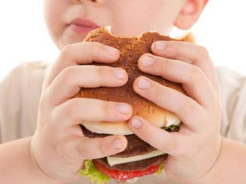 bimbi diabete, diabete nei bambini, ipertensione bambini, colesterolo bambini, anoressia bambini, allarme salute nei bambini, bambini stile di vita errato