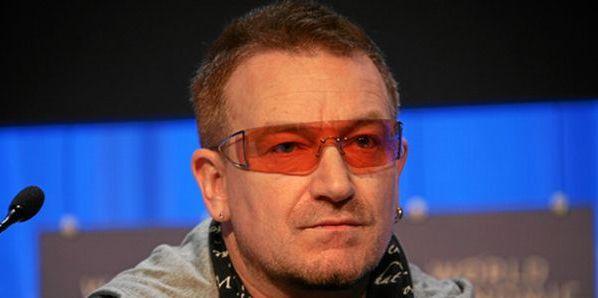 Bono, carriera in pericolo per il leader U2 | Rischia di non poter più suonare la chitarra