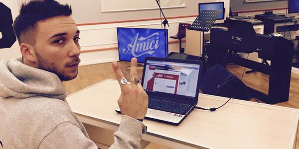 Amici 14, la Di Michele dà a Briga una canzone di Celentano…e lui reagisce così: VIDEO