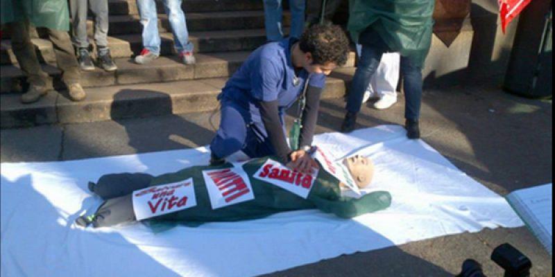 #ProntoSoccorsoKo, flash mob della Cgil   Medici, infermieri e operatori sanitari in piazza