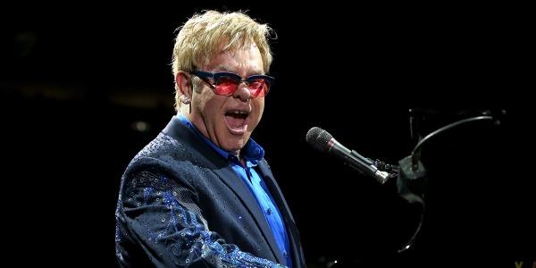 Sanremo 2016, Elton John sarà uno degli ospiti internazionali