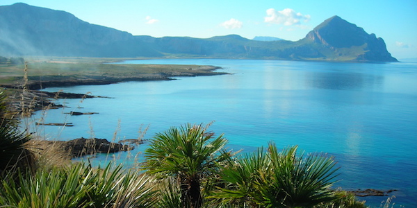 Trapani: travolto dal camper finisce in mare, morto turista