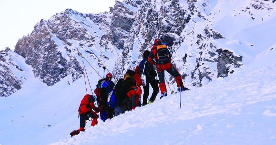 Valanga in Alto Adige investe sciatori | Tragico bilancio: due morti e due feriti