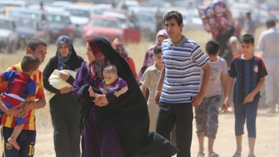 Isis, liberati 350 ostaggi yazidi | Tra loro bambini, anziani e malati