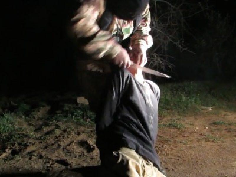 isis  il video integrale della decapitazione delle dieci