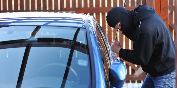 Ragusa, rubavano auto per rivenderle a Malta e in Libia: 40 indagati