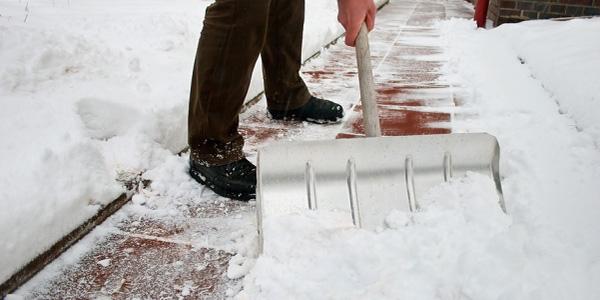 brescia tre persone sono morte mentre spalavano la neve brescia maltempo