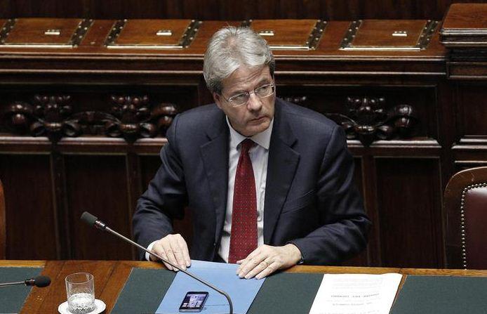 """Terrorismo, Gentiloni promette: """"Saremo al fianco della Francia"""""""