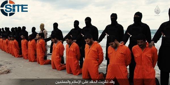 """Isis, il video integrale della decapitazione dei 21 copti egiziani: """"Siamo a sud di Roma"""""""
