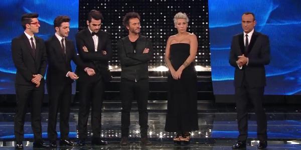 Sanremo 2015, le pagelle della finale | Carlo Conti è il vero vincitore. Male le vallette