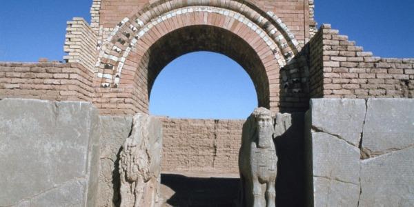L'Isis rade al suolo la città assira di Nimrud | Per l'Unesco è un crimine di guerra ingiustificabile