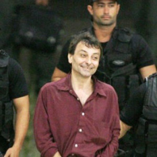 Cesare Battisti, revocate le misure cautelari
