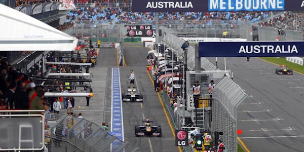F1, Hamilton è una freccia: pole a Melbourne. Ottimo quarto posto per Vettel, quinto Raikkonen