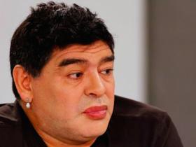 argentina, diego armando maradona, foto Maradona, ironie Maradona, lifting Maradona, maradona, Maradona rifatto, Pibe de Oro, ritocchino Maradona, sfottò Maradona