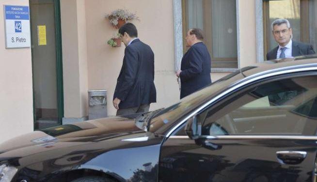 L'addio di Silvio Berlusconi a Cesano Boscone | Ultimo giorno per l'ex premier ai servizi sociali