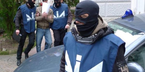 'ndrangheta milano, 10 arresti milano, 10 arresti ndrangheta milano, arresti droga Milano, arresti ndrangheta milano