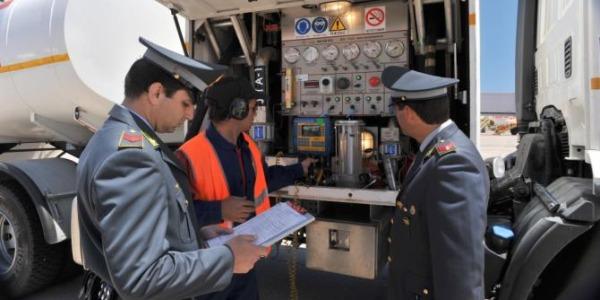 Messina, sequestrati 1400 litri di gasolio agricolo