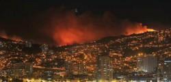 incendio valparaiso, valparaiso, incendio cile, cile incendio valparaiso, valparaiso incendio, vasto incendio a valparaiso, cile evacuate migliaia di persone