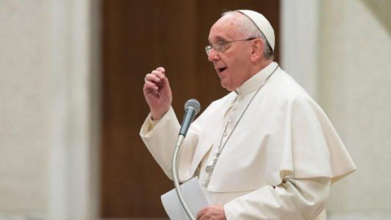 Stop a pensione automatica per vescovi e nunzi