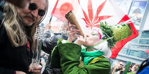 """420, la giornata mondiale della Marijuana: storia e origini di questa """"festa"""""""