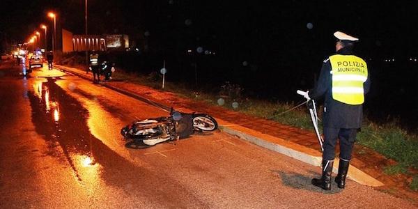 Paternò, scontro mortale tra due moto: morti quattro giovani$