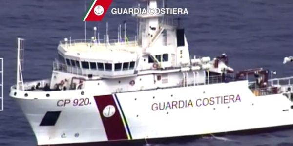 Migranti: supersiti, 51 dispersi in mare