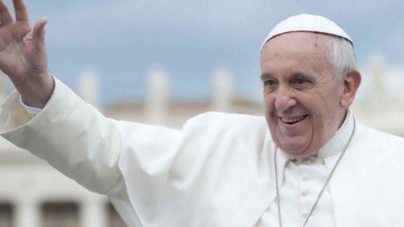 Papa Francesco è arrivato in Myanmar | Inizia il suo 21esimo viaggio apostolico
