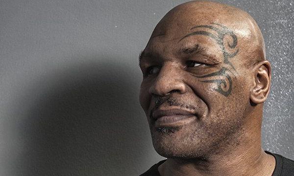 """Mayweather-Pacquiao, Tyson boccia l'evento: """"Sono solo uomini d'affari"""""""